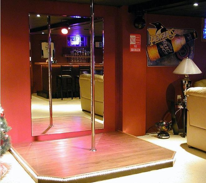 stripper-pole